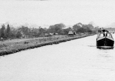 87 Aquaduct Over Hawkes Green La